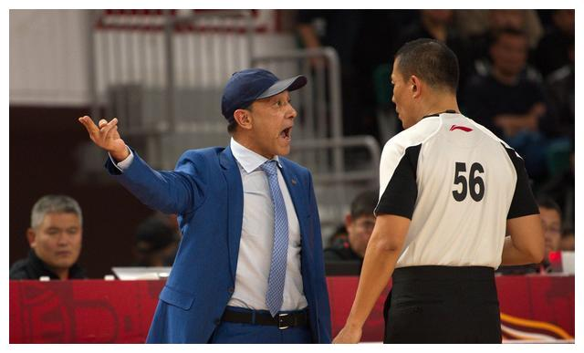 篮球——CBA常规赛:山西汾酒股份不敌新疆伊力特(1)