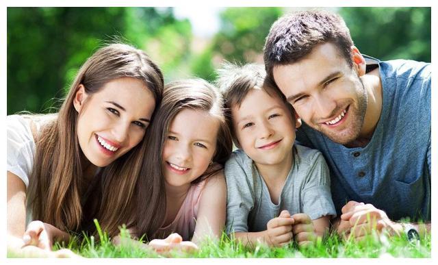 父母孩子关系越亲密,孩子越听话,如何从婴儿期建立亲密亲子关系