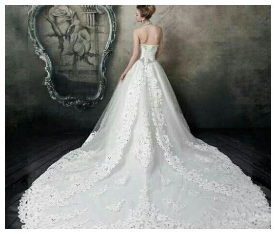 测试:假如你富有,想穿哪件婚纱,测上天给你最大的礼物是什么