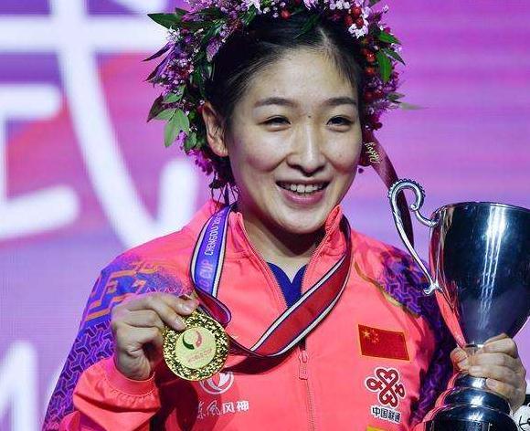 刘诗雯成史上第一人,三大赛单打冠军追平邓亚萍超越李晓霞
