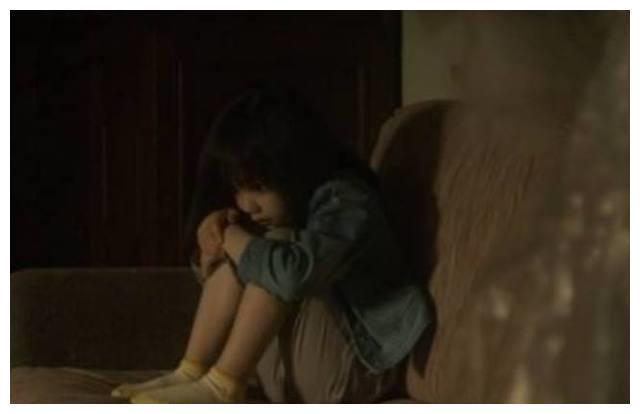 虐童事件回应:冯导简单黄磊真诚,应采儿说出别人不敢说的2个字