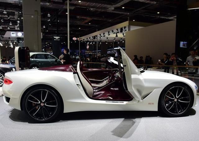高端汽车大赏,科幻时尚的风格,整体线条养眼