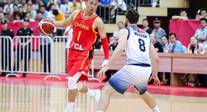 郭艾伦周鹏参加男篮赛前训练,中澳对抗赛第三场或能出战