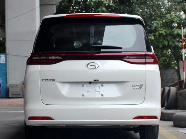 广汽乘用车-传祺GM6,外观非常炫酷,车身采用的设计也很出色
