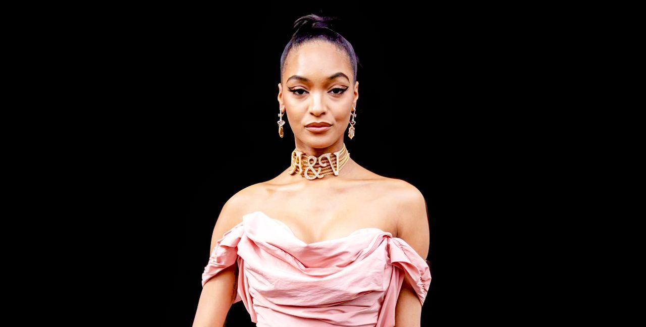 2020巴黎时装周,超模卓丹·邓 (Jourdan Dunn)巴黎街拍风尚现场