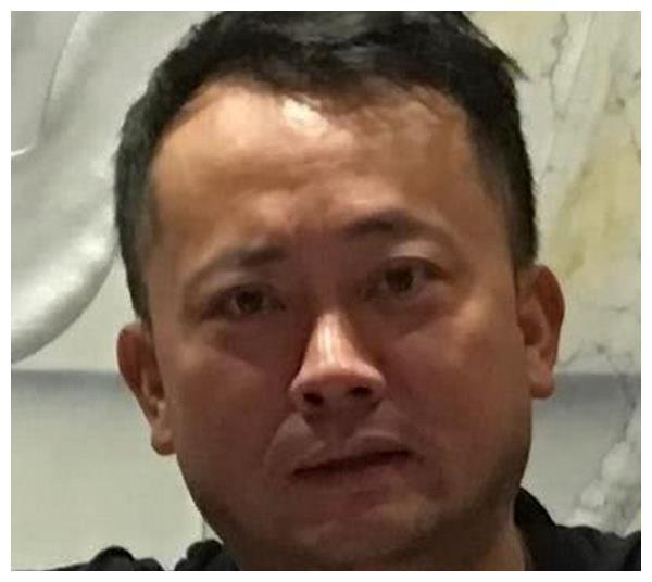 """周立波公布""""某某""""信息 网友:跪求""""福尔摩斯""""曝光更多内幕"""
