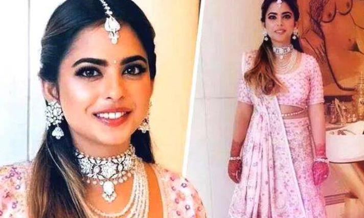 印度首富风光嫁女,33种语言直播婚礼,希拉里捧场碧昂斯献唱