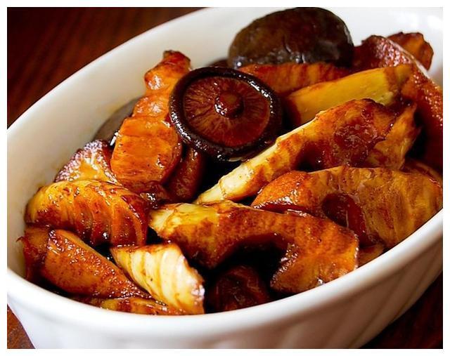 美食推荐:吉祥三宝,香菇油焖笋,香辣鸡煲的做法