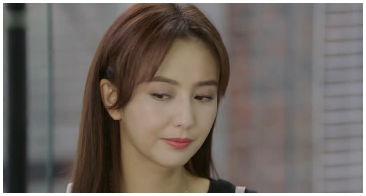 """完美关系:卫哲壁咚告白""""做我卫太太""""激吻时,江妈妈惊现当场"""