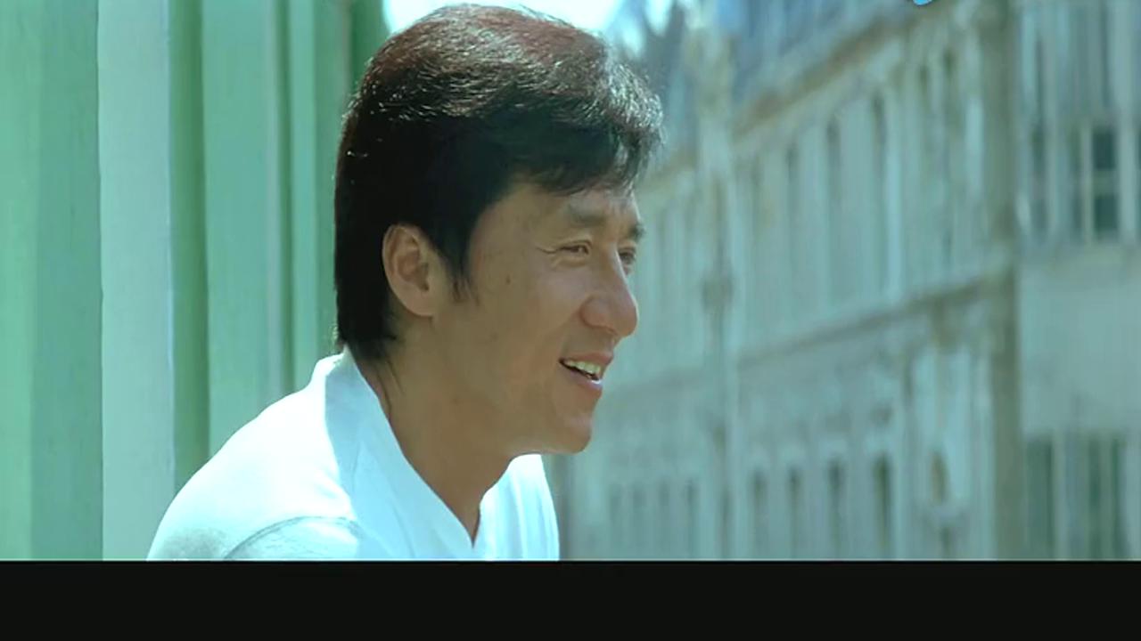 成龙初次年轻貌美的徐若瑄,惊为天人,眼睛都直了