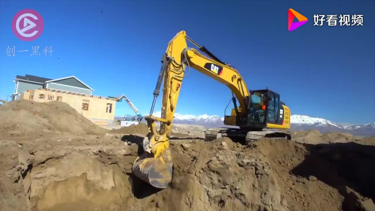 全世界最大的挖掘机长110米重达7000吨轻松挖穿一座山