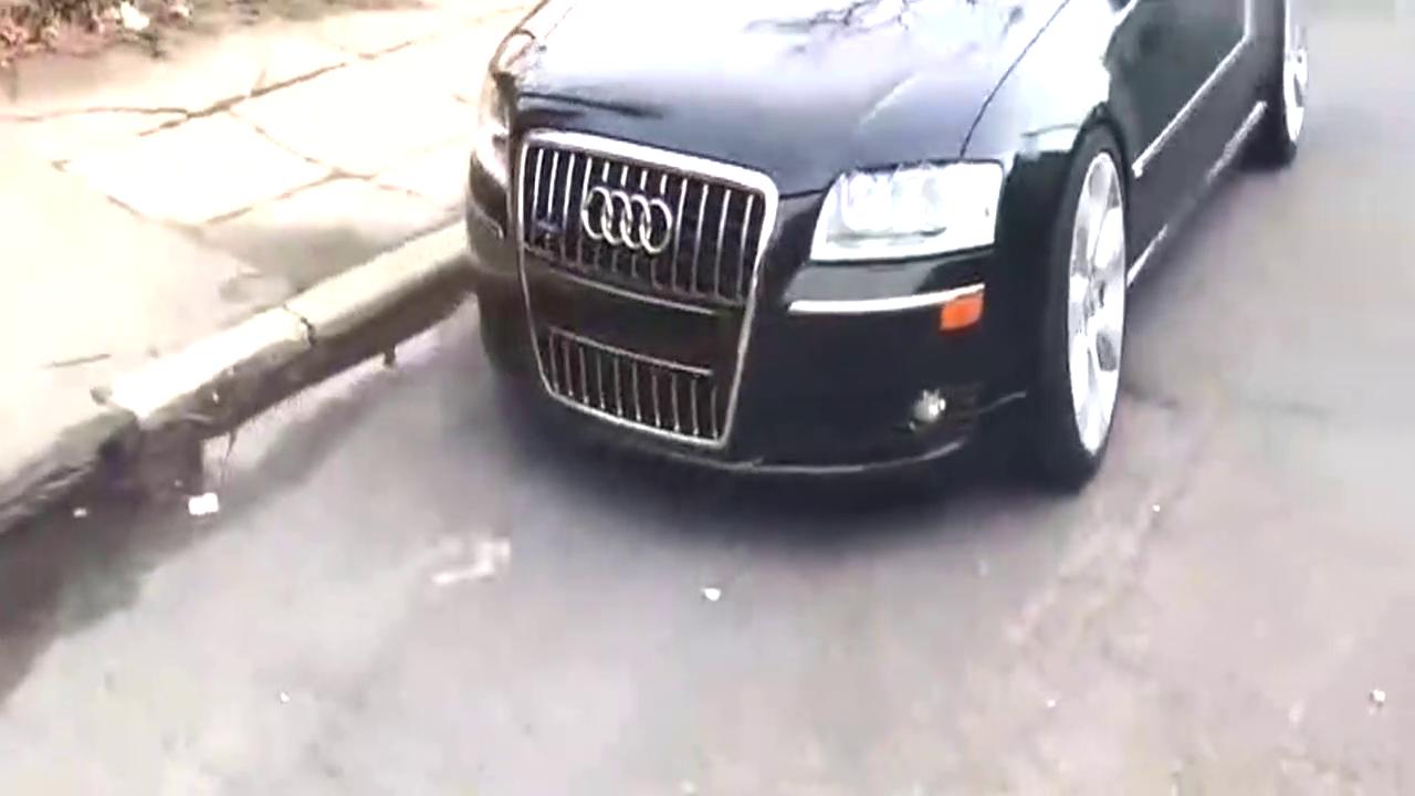 国外牛人给奥迪A8换上奔驰S600的轮毂,停车那霸气刚开始!