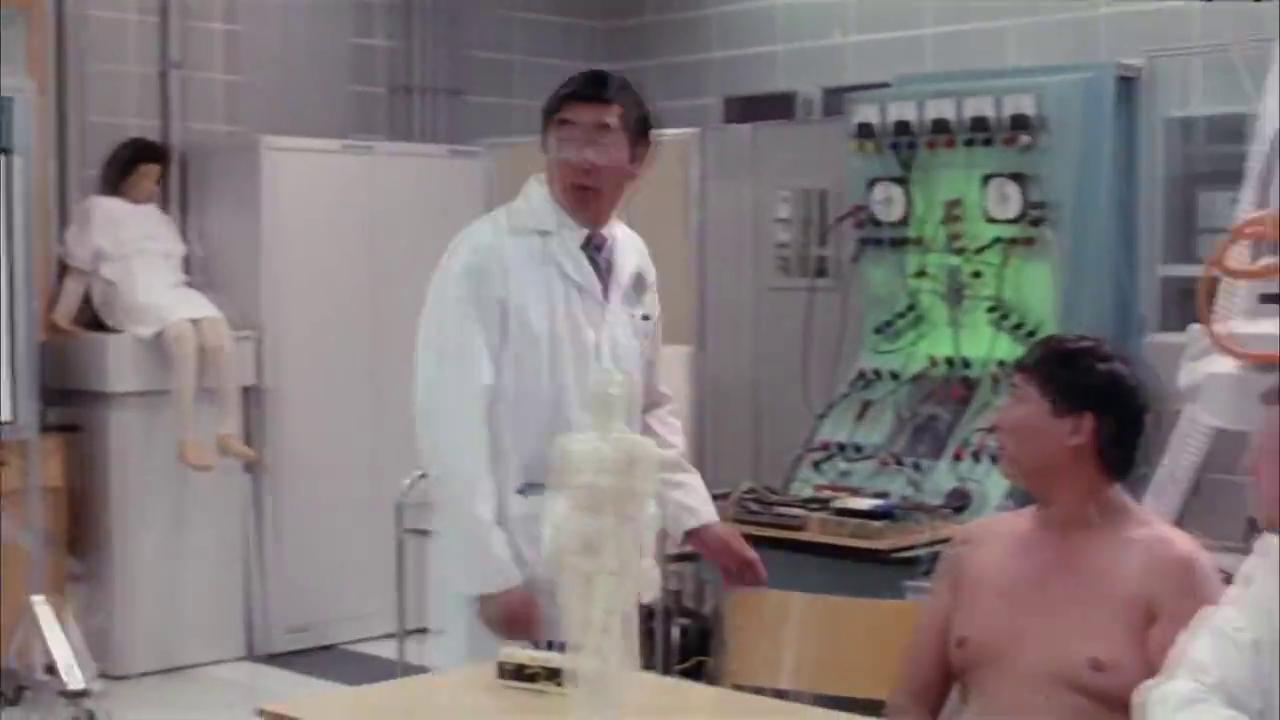 实验室做人体实验遇上不靠谱教授,小伙直接被电击了,可怜了!