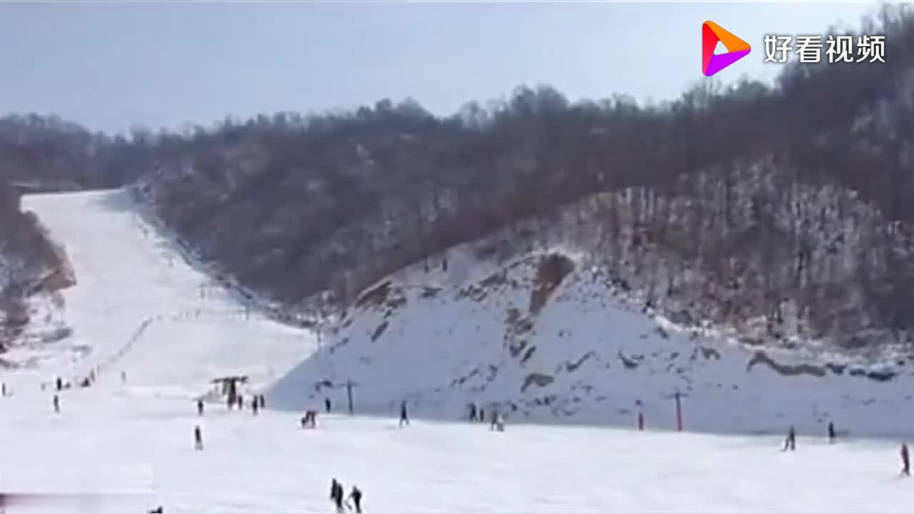 天龙池景区滑雪场风景秀丽在滑雪之余还可以登山攀岩等