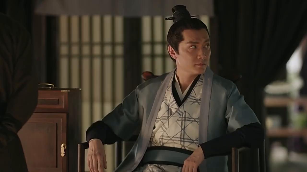 明兰被陷害当众摔倒,朱一龙亲密搀扶,冯绍峰一旁狂吃醋