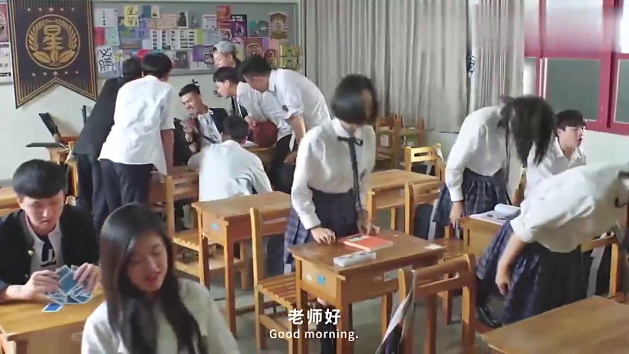 """东北插班生第一次念英语,让全班学生大开眼界,太""""流利""""了!"""