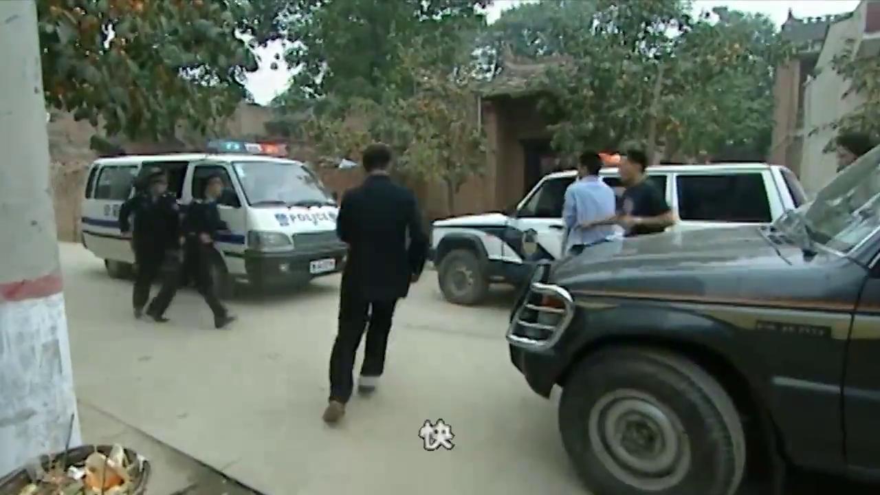 男子逃避警察,只是为躲避赌债,专案组排除对他的嫌疑