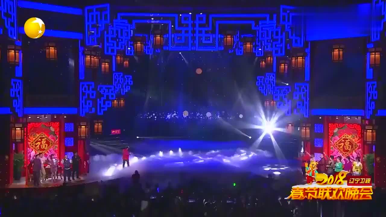 谭咏麟演唱《朋友》,比周华健的朋友还早12年,听过吗,太精彩了