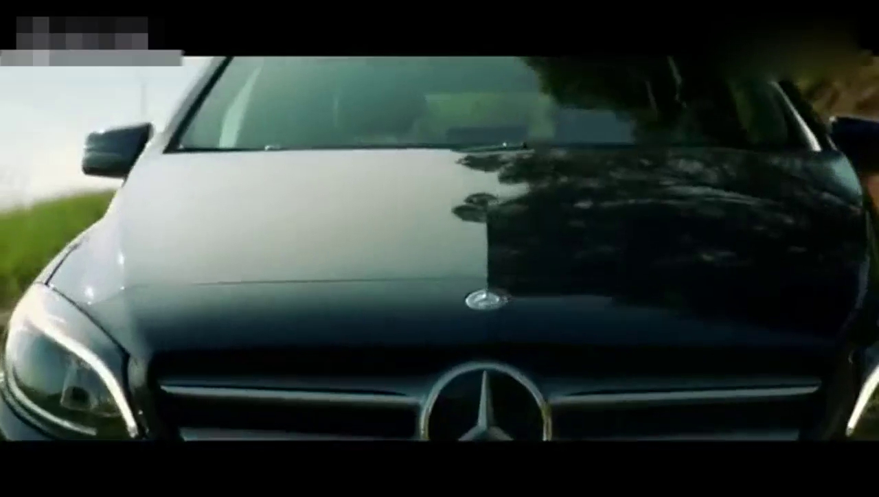 视频:动感十足 奔驰B级运动旅行车