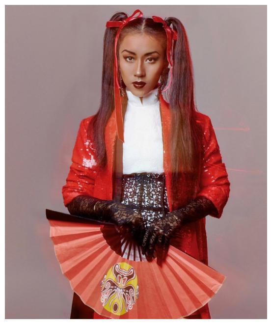 吉克隽逸的中国娃娃造型,参加湖南卫视春晚,又飒又喜庆