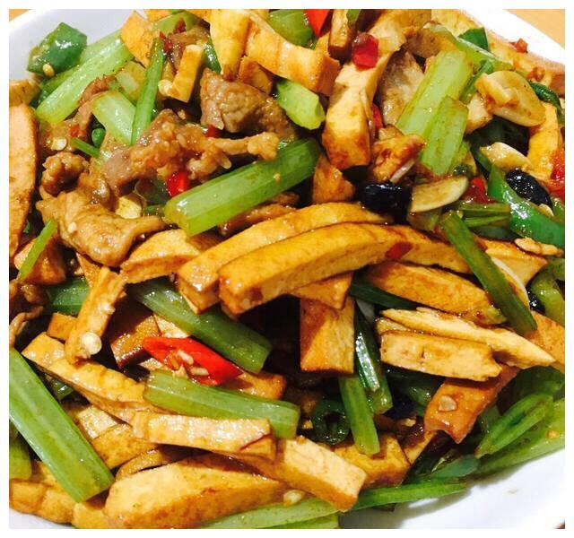 美食推荐:香辣香干肉片,鲜虾什锦豆腐,干煸草鱼片,羊排山药汤