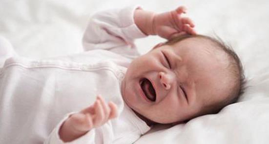 刚出生1个月的孩子总是半夜哭,家有夜啼郎,可能有3个原因