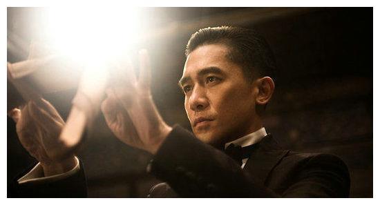 农村出身的几位明星,赵丽颖王宝强成典范,他却是身份造假