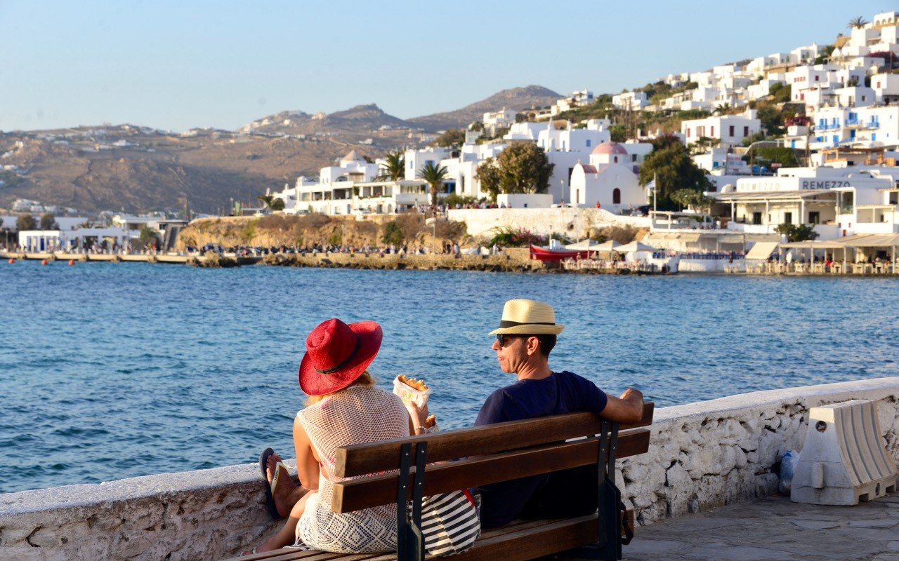 希腊小岛活色生香,人们喜欢到这里旅行不只是因为好看