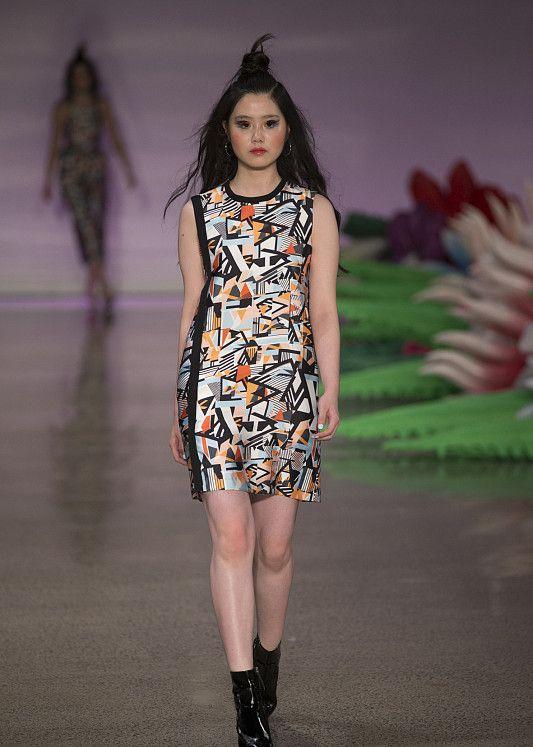 时装周:学会这些潮流穿搭的小技巧,让你每天都焕发魅力