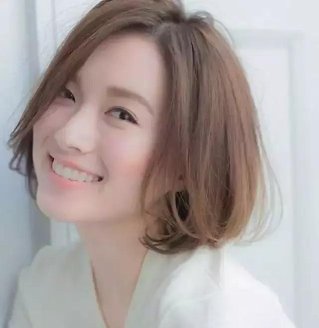 2019减龄发型来袭,非韩式短发发型莫属,真的好时尚又前卫