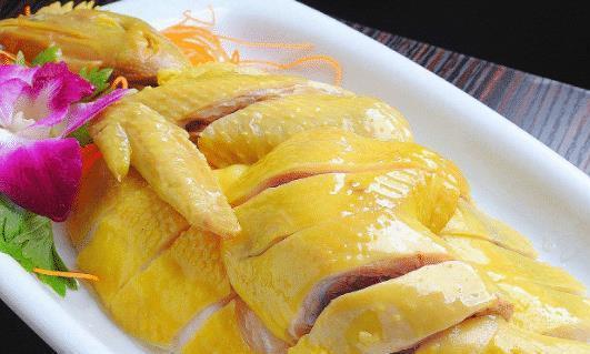 """教你一道葱油鸡,比白切鸡更好吃,只需淋上""""它"""",鲜嫩美味极了"""
