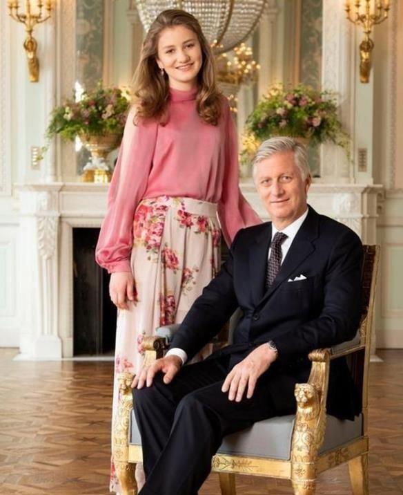 比利时王储衣品真好!穿时尚潮流款式秀长腿,时尚又迷人