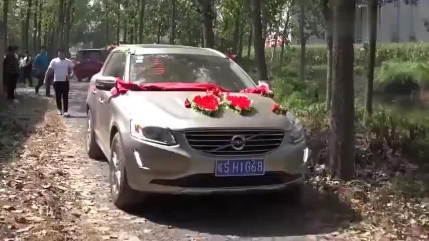 去安徽农村送亲第一次见婆婆这样接新娘下车的