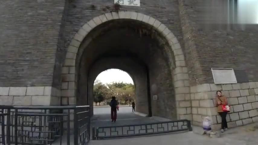 实拍2000多年历史的江西赣州,古城墙抗洪水,保安宁,人民全靠它