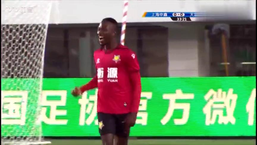 接到精准直塞,迪巴单刀将球打进!上海申鑫1-0天津泰达!
