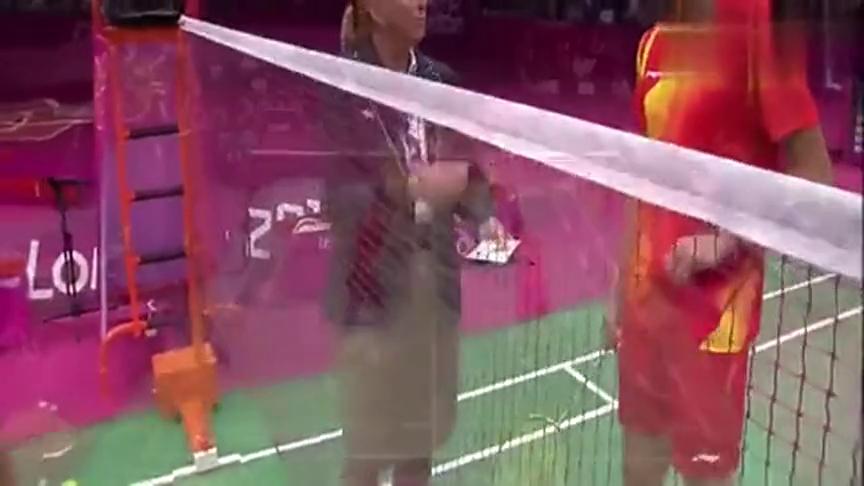 重温伦敦奥运会!张楠赵芸蕾获得羽毛球混合双打冠军!厉害!