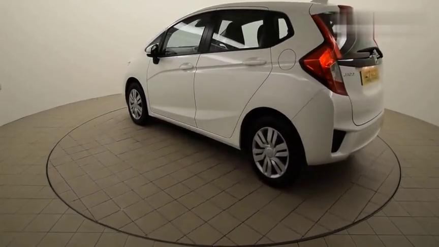 视频:日常代步的帅气小车,白色本田飞度360度展示欣赏