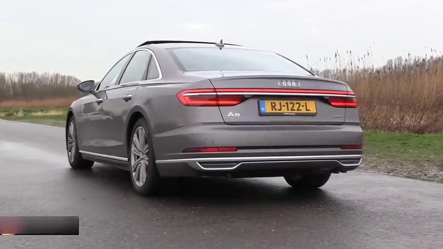 视频:价值150万的奥迪A8,急转弯时打开自动驾驶后,这钱花的值不值