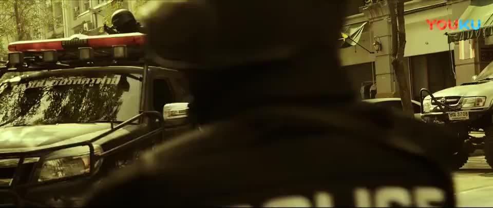 巨额来电警察就在楼下诈骗团伙被包围林阿海慌了