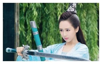 杨紫害怕宋丹丹说换掉自己,专门去贴门缝听他们谈话,莫名心酸