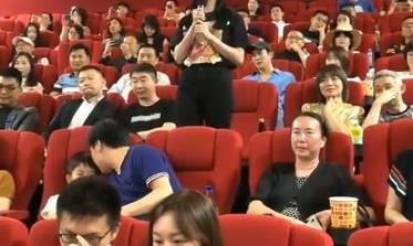 姚晨郭帆2人现场力挺扫毒2,影片很燃,枪战戏新颖火爆
