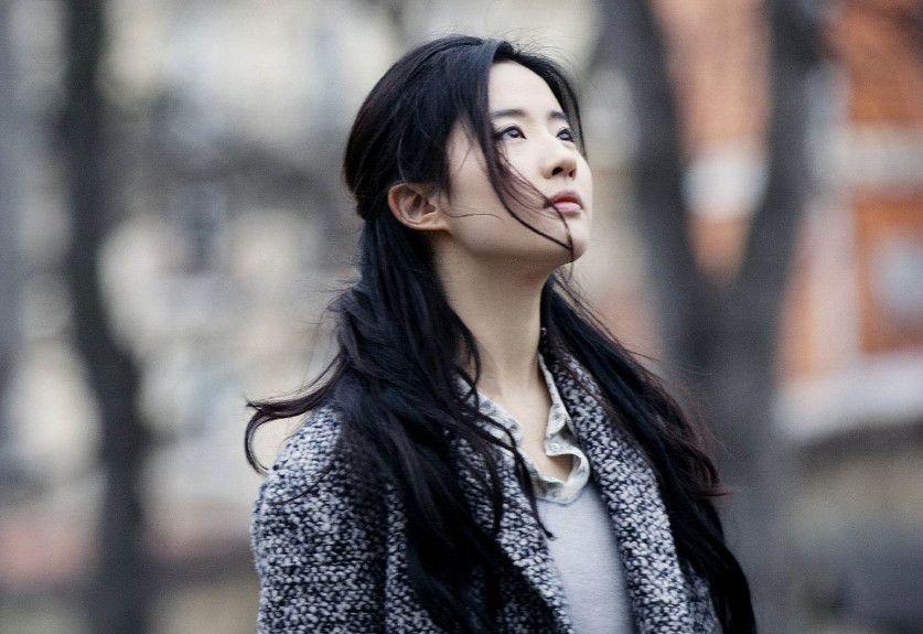 《夜孔雀》视角下不一样的刘亦菲,图2看了好心疼,图4看不下去了