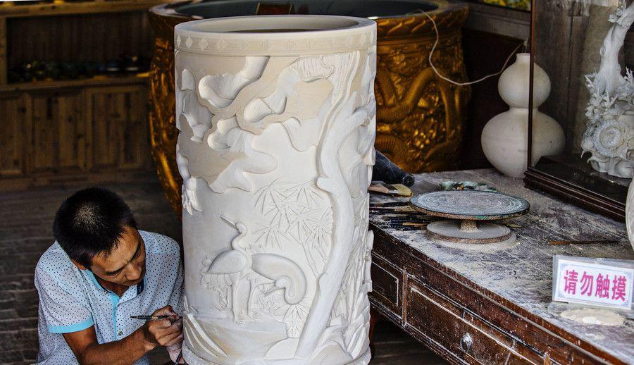 人文摄影:景德镇的那些匠人们,古老的技艺还能继承下去吗?