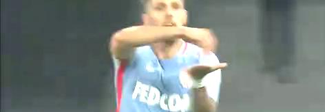 (法语)法甲:法尔考2球约维蒂奇破门 摩纳哥4-0里尔