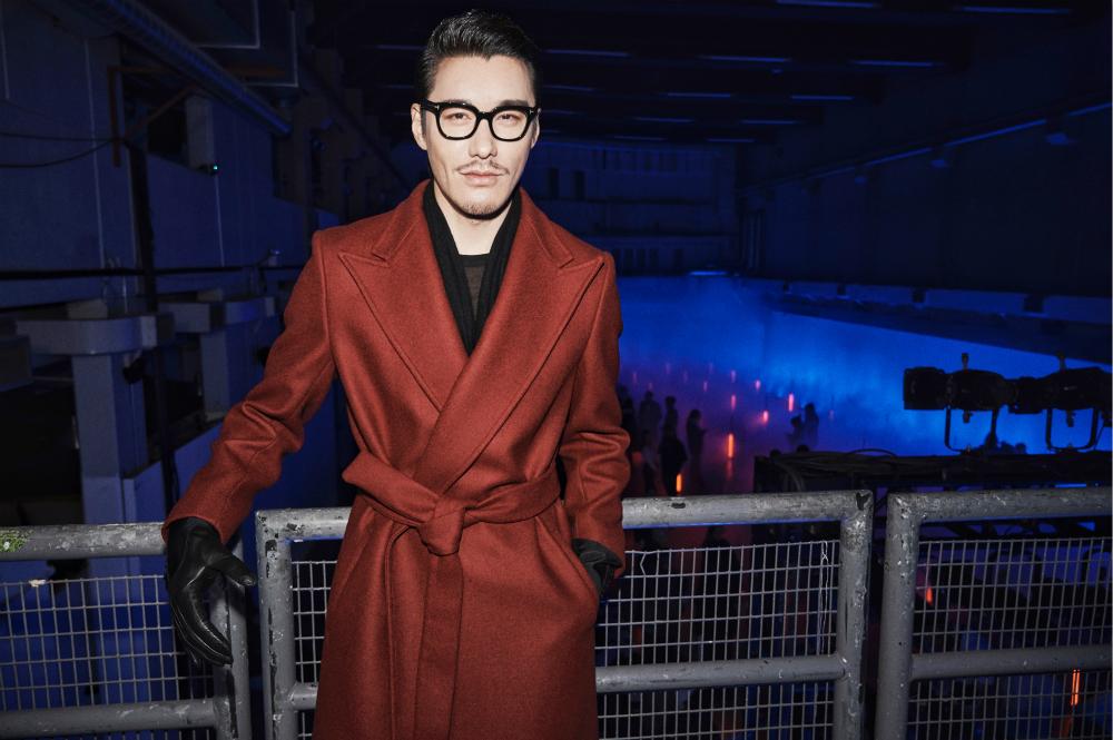 伦敦时装周领跑时代大秀 胡兵多元化造型从经典中看见未来