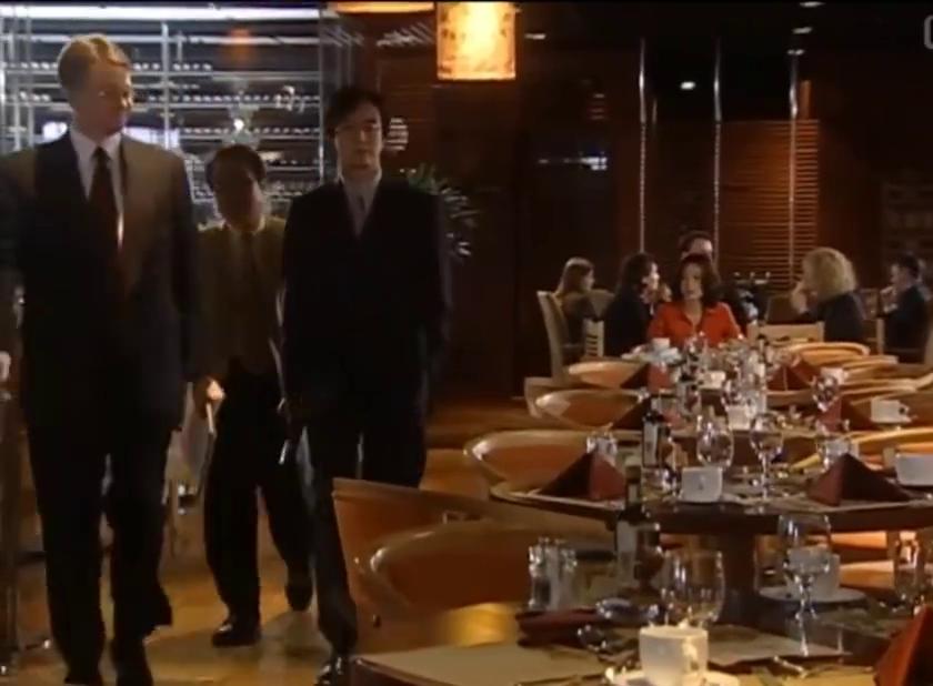 裴勇俊旁观用英语发飙的女主,男人心动看眼神!