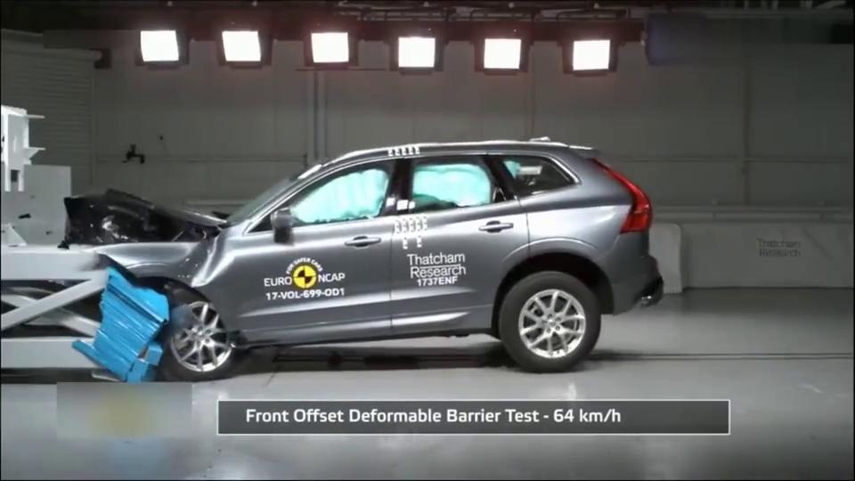 视频:沃尔沃XC60碰撞测试,真的超坚固的!