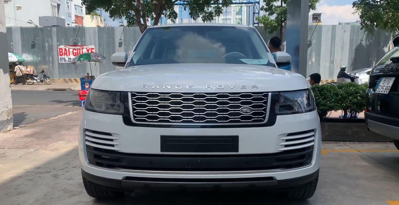2019款越南版路虎揽胜加长版到店实拍,白色车身看起来很霸气