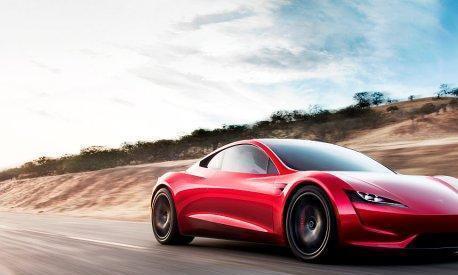 近期Musk表示Space X套件位置在Roadster 2牌照下面