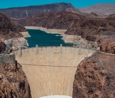 全球最大人工水坝:浇筑水泥完全冷却需花125年,一方法巧妙解决